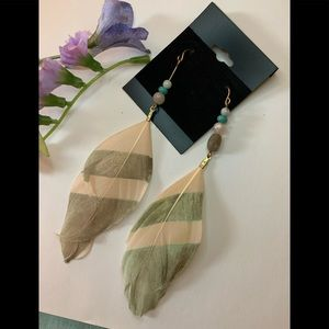Pink & mint feather earrings barely worn